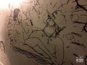 fresque sur les murs de la cartonnerie
