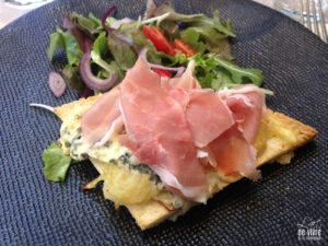 "Restaurant ""Mets Envies"" à Hermonville - tartine de montagne bleu - jambon"