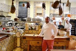 olivier absous dans sa cuisine à reims