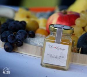 """Un miel """"clos Lanson"""" est réalisé par les abeilles du Parc Lanson"""