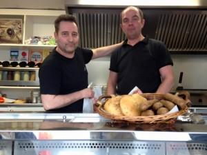 Dom Burger aux commande de son Food Truck